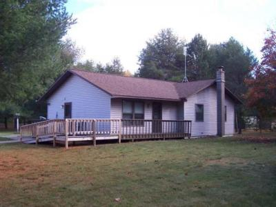 Photo of 9050 Blumenstein Rd, Woodruff, WI 54568