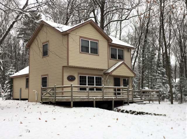 3093 Carpenter Lake Rd N, Eagle River, WI 54521