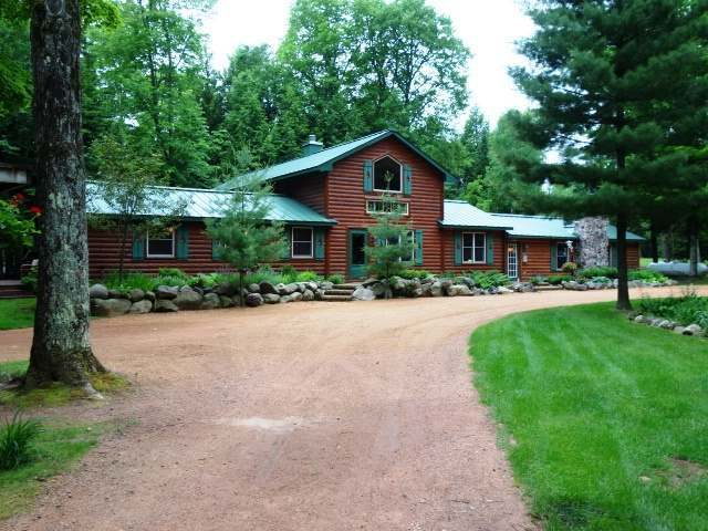8820 Squaw Lake Rd W, Minocqua, WI 54548