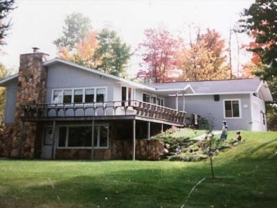 Photo of 5254 Rangeline Rd, Eagle River, WI 54521