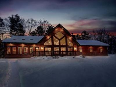 Photo of 4221 Chain O Lakes Rd, Eagle River, WI 54521