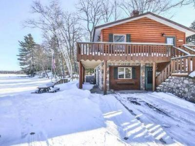 Photo of 9140 Country Club Rd, Minocqua, WI 54549