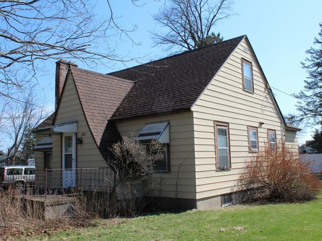 221 Third St, Eagle River, WI 54521