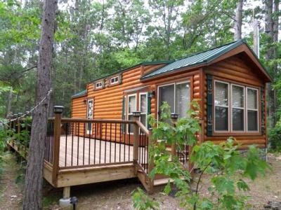 Photo of 8421 Oneida Lake Dr, Rhinelander, WI 54501