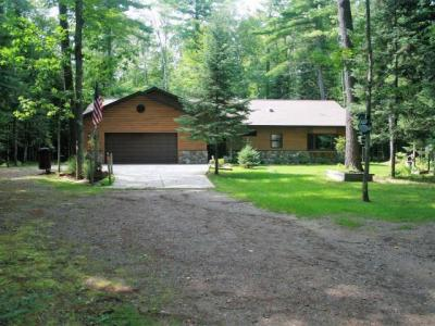 Photo of 2027 Rangeline Rd, Eagle River, WI 54521