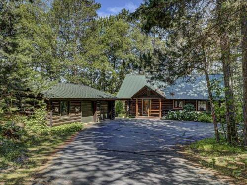 Outstanding Lake Cabins And Vacation Homes For Sale In Eagle River Wi Download Free Architecture Designs Scobabritishbridgeorg