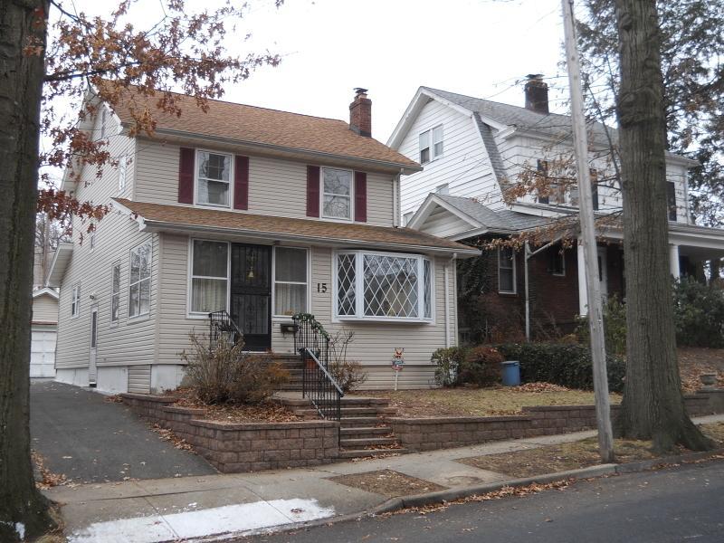 15 Sawyer Ave, East Orange City, NJ 07017