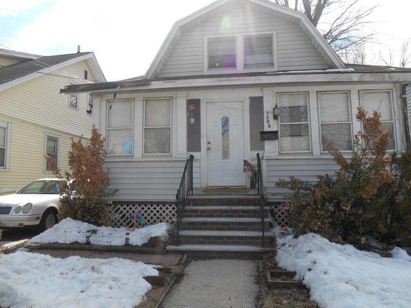 1308 Crescent Ave, Roselle Boro, NJ 07203