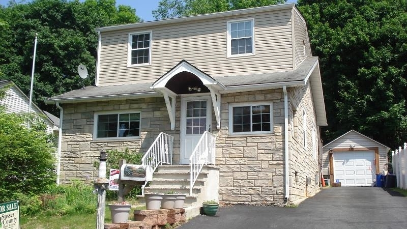 11 South St, Franklin Boro,  07416
