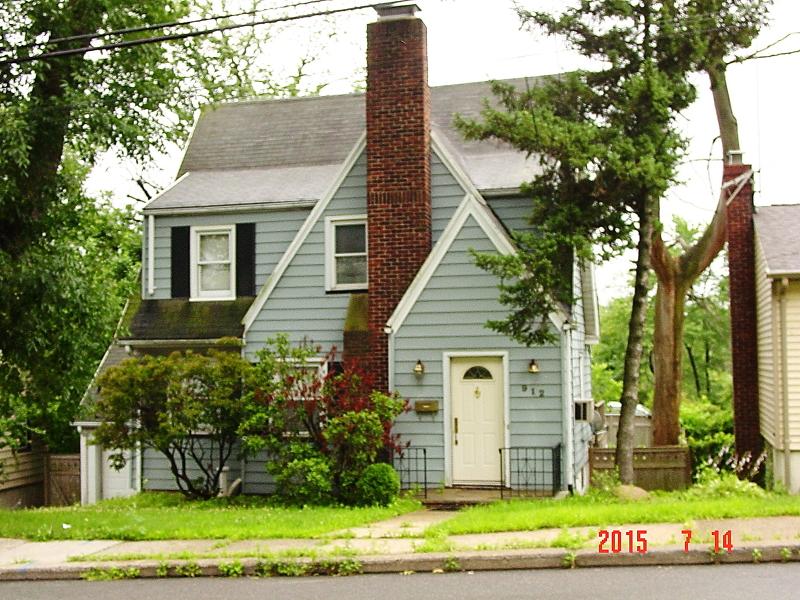 912 W Chestnut St, Union Twp.,  07083
