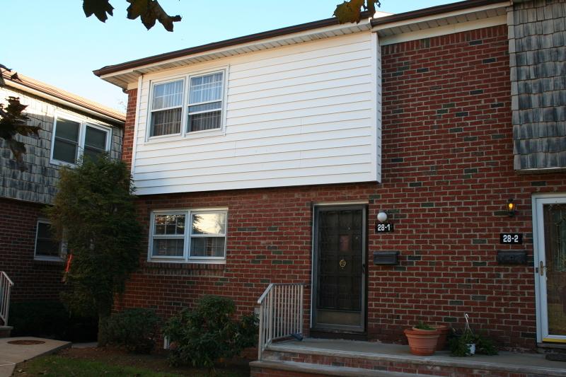 28-1 Farm Rd, Hillsborough Township, NJ 08844