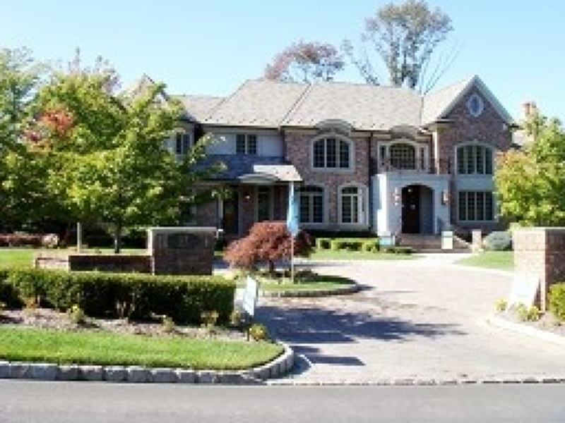 2 Jason Ln, Livingston Township, NJ 07039