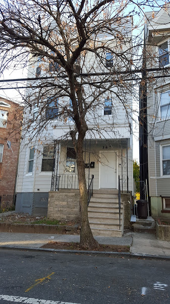 363 S 19th St, Newark City, NJ 07103