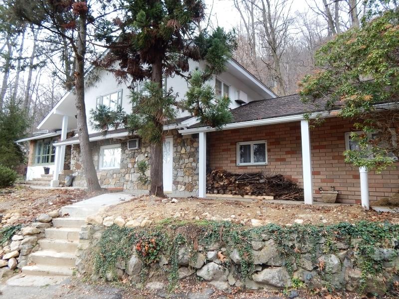 191 Mountain Lake Rd, White Township, NJ 07823