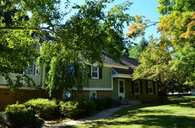 11 Manor Dr, Andover Township, NJ 07860