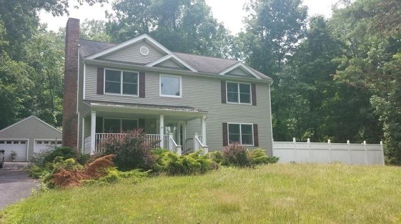203 Old Turnpike Rd, Washington Township, NJ 07865