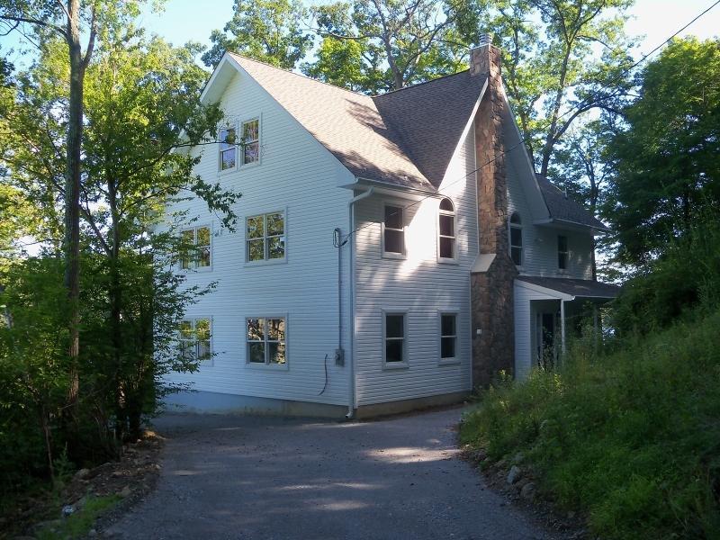 15 Northwoods Trl, Hardyston Township, NJ 07460