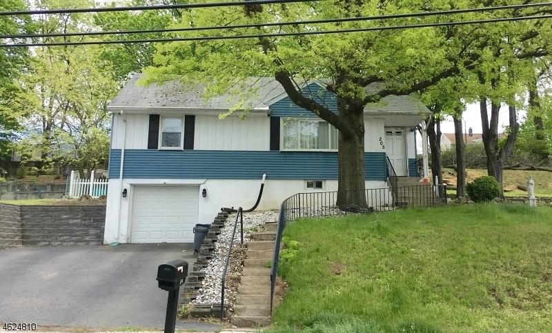 205 Mount Pleasant Ave, Woodland Park, NJ 07424