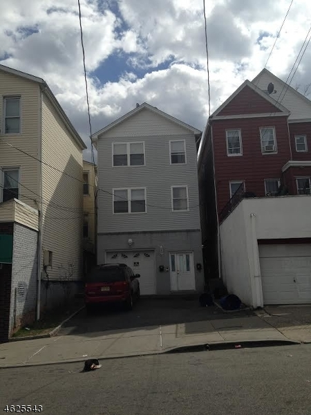 187 Highland Ave, Passaic City, NJ 07055