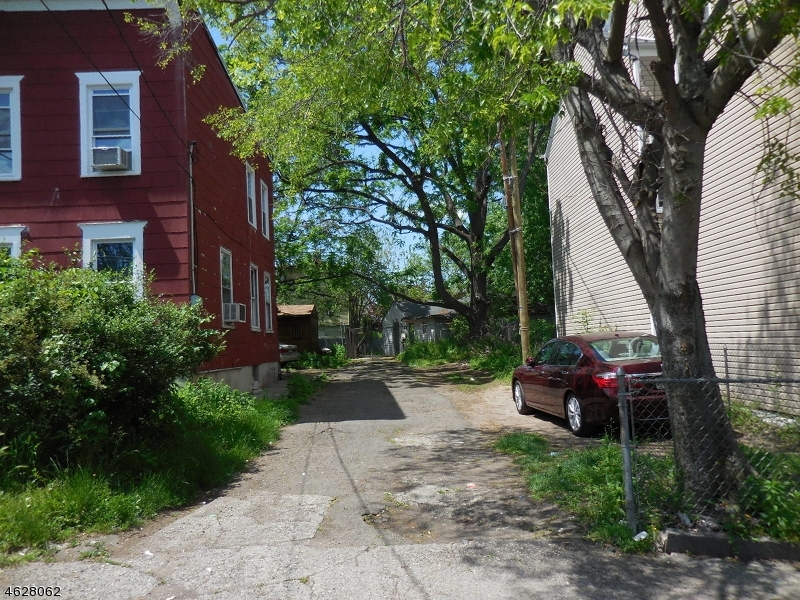 11 Weiss St, Paterson City,  07503