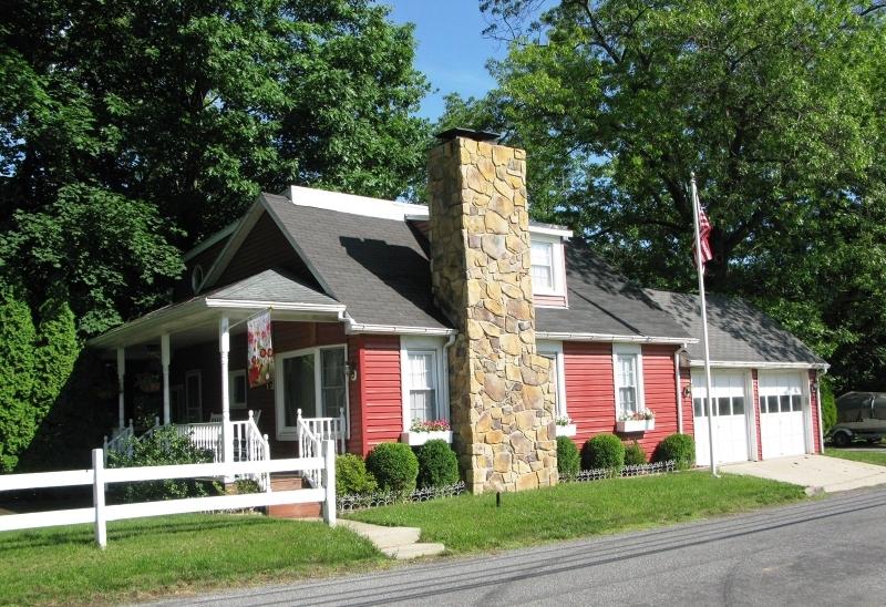 545 River Rd, Pohatcong Township, NJ 08865