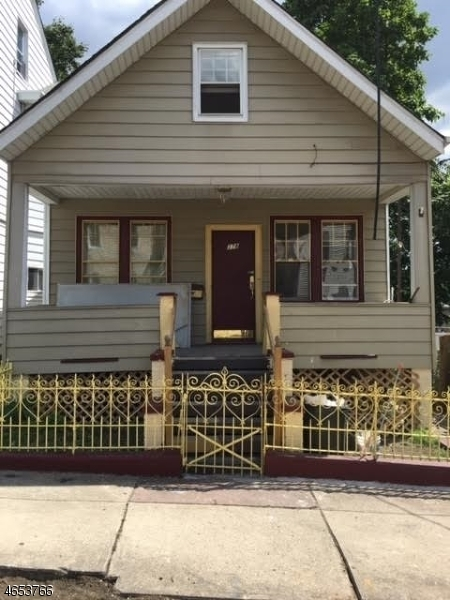 278 N 4th St, Paterson City,  07522