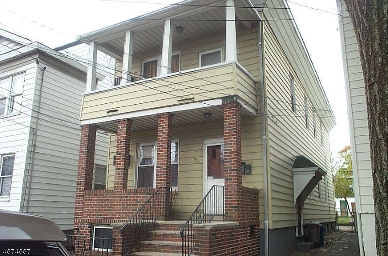 677 N 8th St, Newark City, NJ 07105