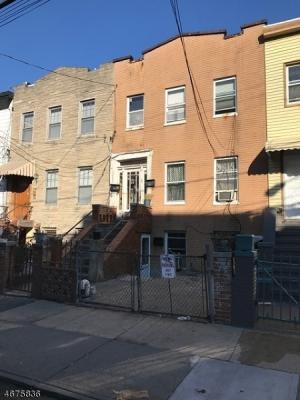 Photo of 316 2nd St, Jersey City, NJ 07302