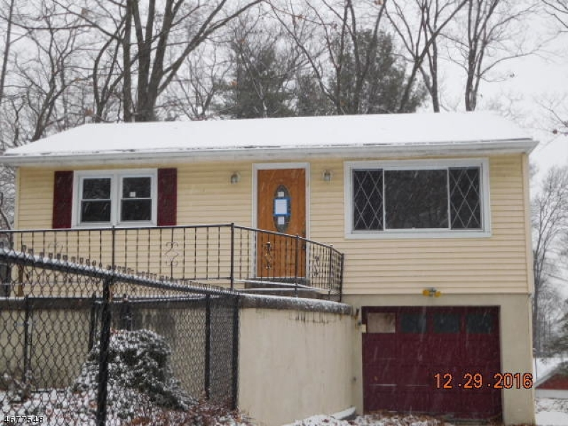 1 Pebble Beach Rd, Hopatcong Boro,  07843