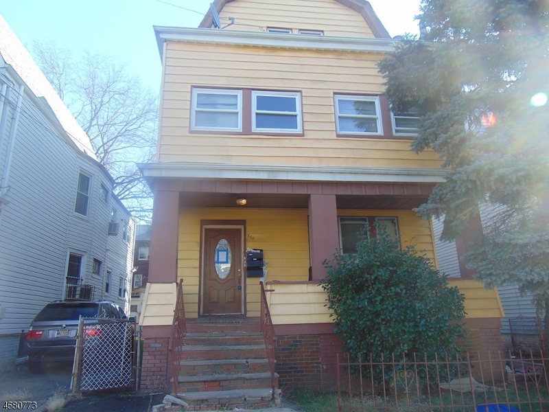 888 S 18th St, Newark City,  07108