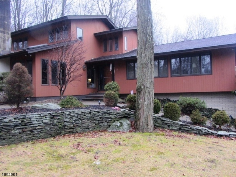 31 Payne Road, Andover Twp.,  07860