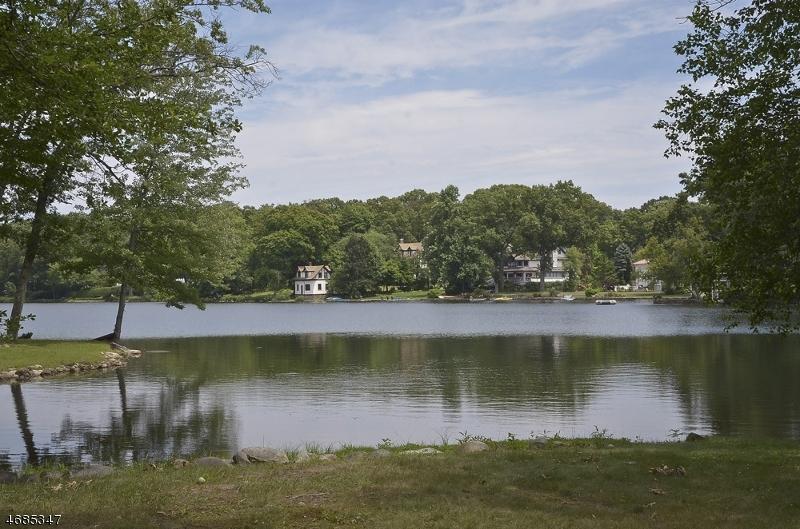 6 Cove Pl, Mountain Lakes Boro,  07046