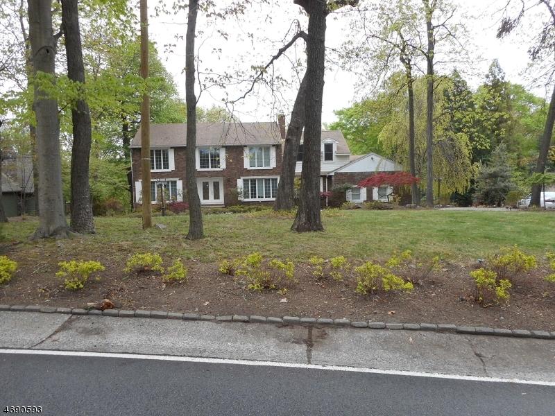 17 Stony Brook Road, Montville Twp.,  07045