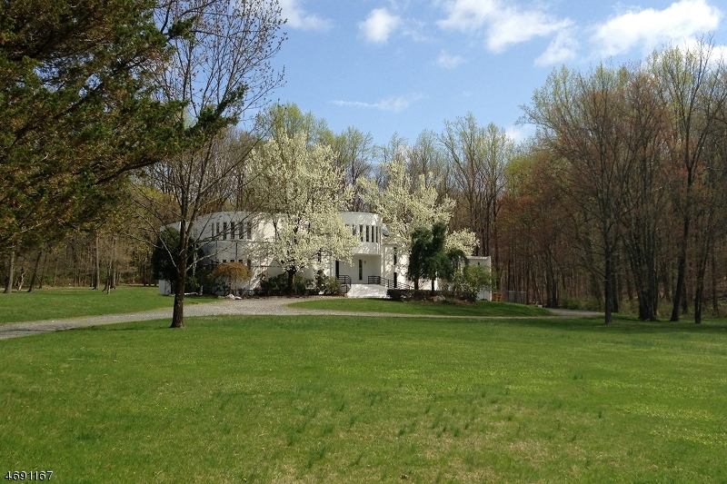 25 Pleasant Valley Harbou, Hopewell Twp.,  08560