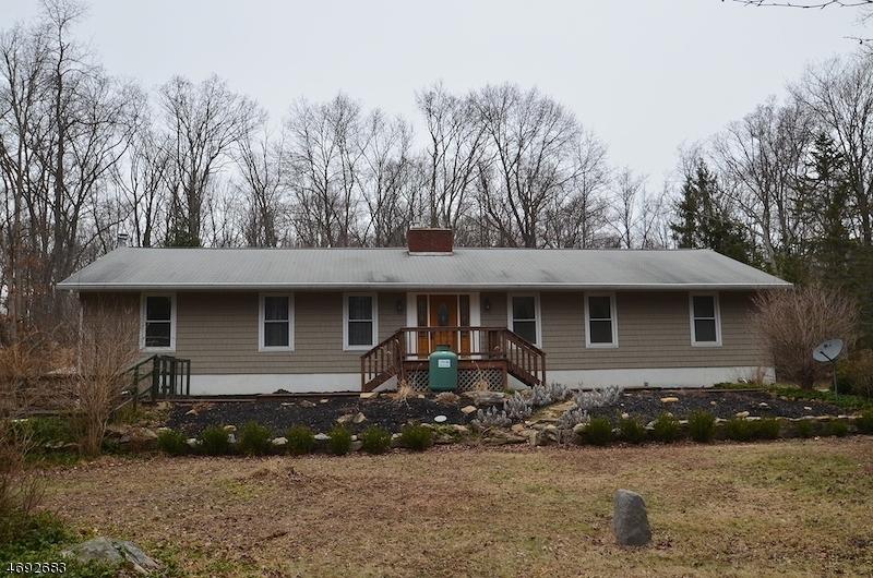 28 Sharrer Rd, Lebanon Township, NJ 07865