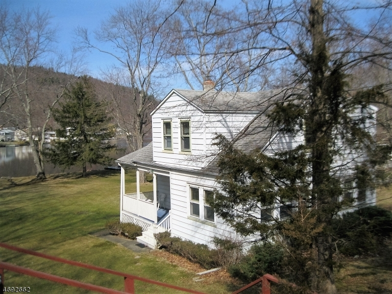 6 Myrtle Ave, Frankford Twp.,  07826