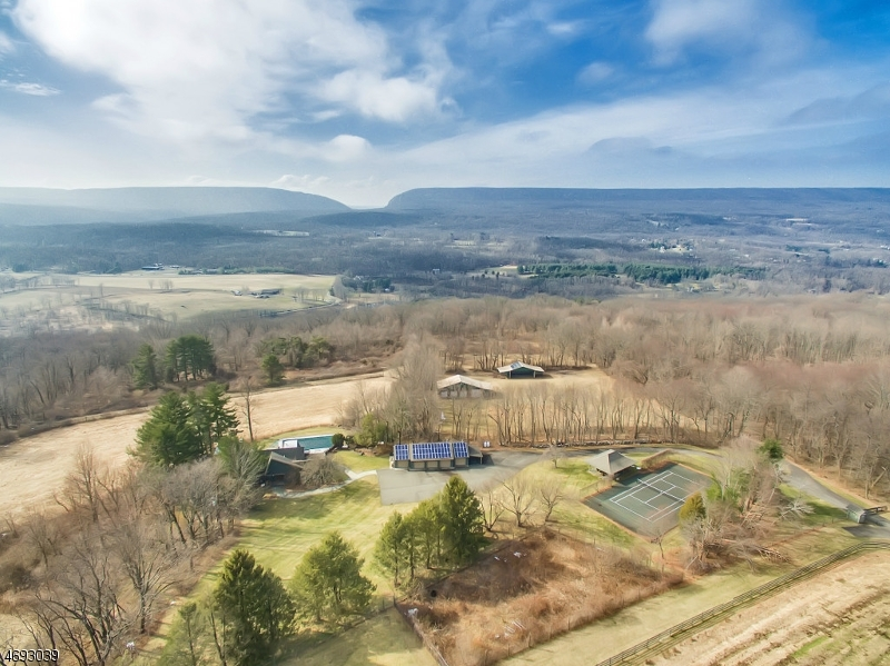 200 Vail Rd, Knowlton Twp.,  07832