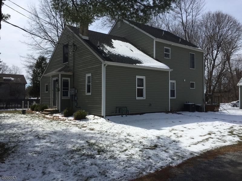 286 Whitebridge Rd, Franklin Township, NJ 08867