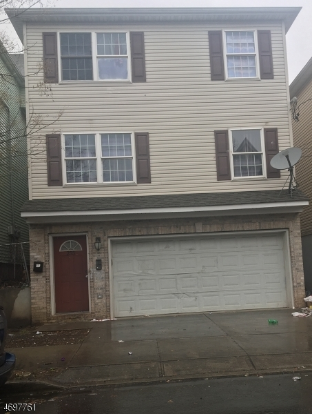 255 Governor St, Paterson City,  07501