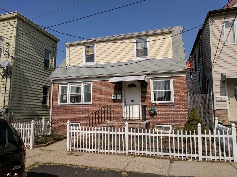 135 Davenport Ave, Newark City,  07107