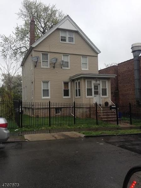 304 William St, East Orange City, NJ 07017