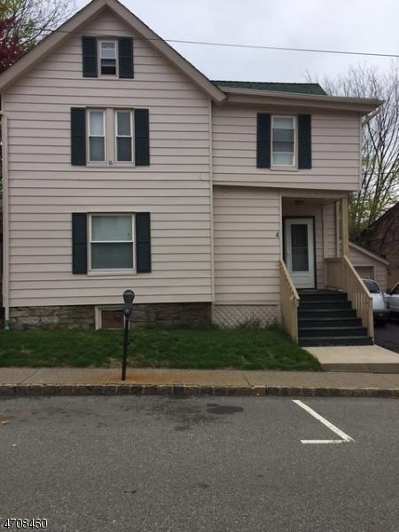 4 Jefferson St, Newton Town, NJ 07860