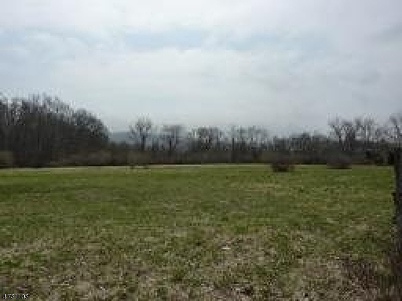 104 Pequest Rd, Oxford Twp.,  07863