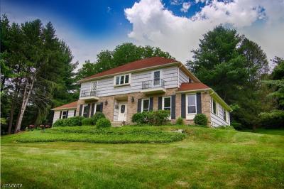 Photo of 5 Lenape Trl, Peapack Gladstone Boro, NJ 07977