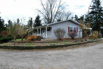 Photo of 1415 Hickory Hollow Rd, Solon, IA 52333