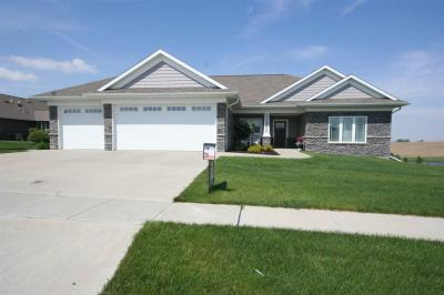 Photo of 802 Clearview Drive, Williamsburg, IA 52361