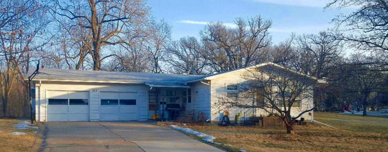 103 Hickory Dr., Columbus Junction, IA 52738