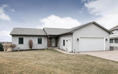 Photo of 411 Goldfinch Circle, Tiffin, IA 52340