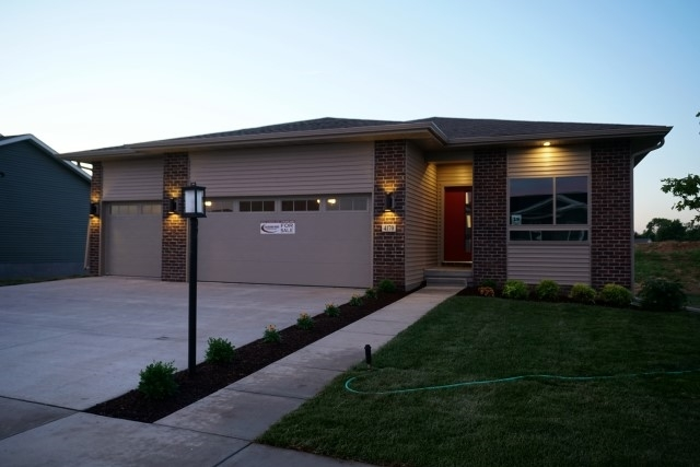 4170 Lillian Dr, Iowa City, IA 52245