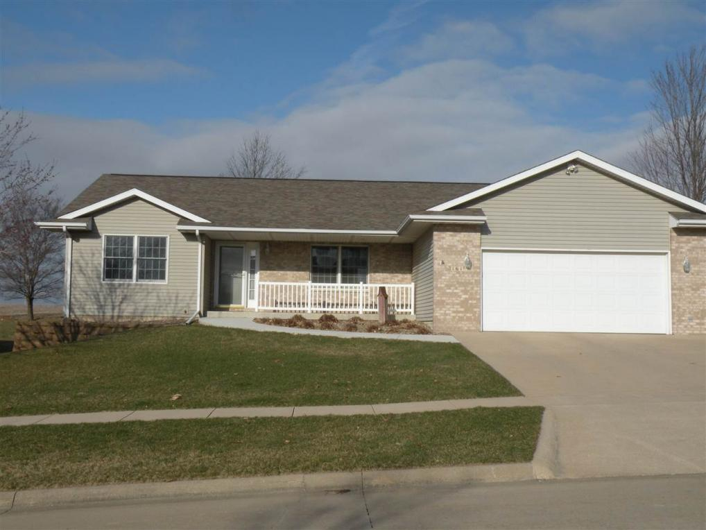 161 Bickford Dr, West Branch, IA 52358